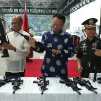 china-assault-rifles-donation-to-ph_88739055B4FF4DBB9F365D3315E55A20-12c0d301b54b0cd3d9fe7550dc332a427ec28713